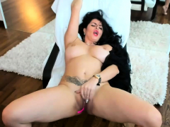 milf-makes-herself-pleasure