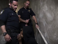 cop-shower-fuck-gay-suspect-on-the-run-gets-deep-dick