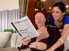 Inviting mature maiden Nikki Daniels enjoys every second