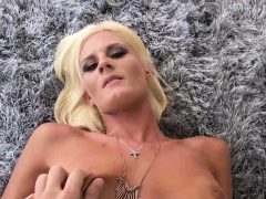 olivia-blu-flashing-stepson-and-begging-to-get-fucked