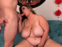 Fat Cougar Hayley Jane Takes a Long Cock