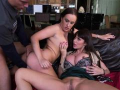 sexy-whores-make-a-threesome