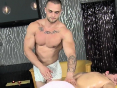 hunk-gets-lusty-booty-fucking-during-massage