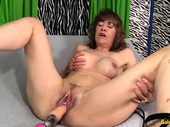 fucking-machine-rails-mature-babe-morgan