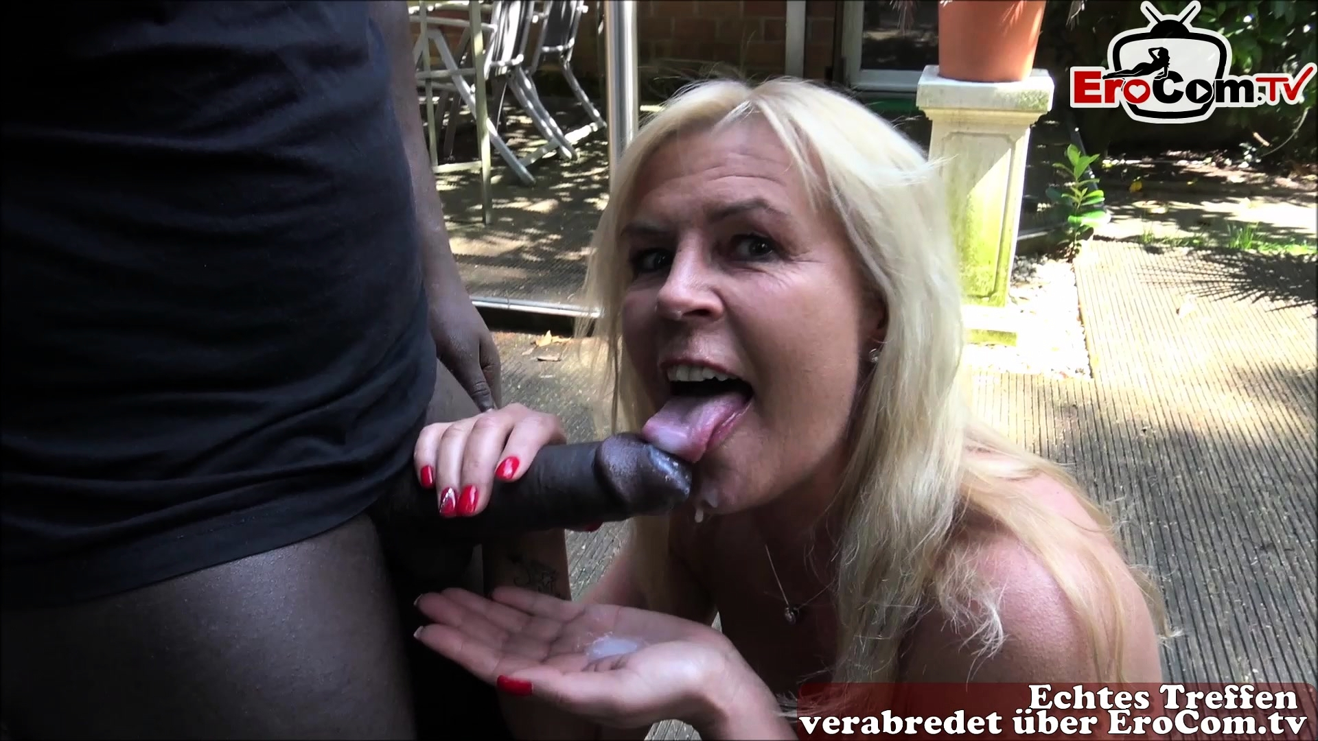 amateur bbc blowjob outdoor