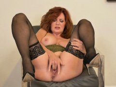 florida-milf-chery-strips-and-plays