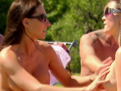 swingers-find-the-perfect-couple-to-make-the-full-swap