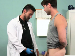 seductive-doctor-is-the-hottest-gay