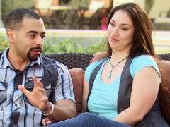 amateur-couple-signs-a-swinger-contract
