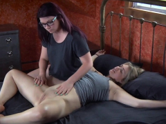 Busty submissive gets flogged during bondage
