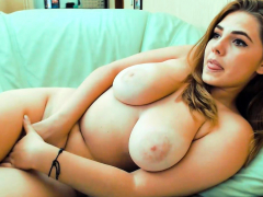 curvy-little-fatty-masturbating
