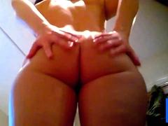 Big tit Curvy Girl Spied Post Shower