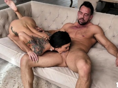 milf-melissa-like-guys-to-cum-inside-her-shaved-pussy