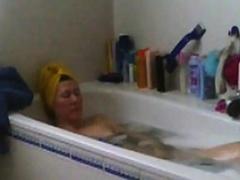 mom-masturbates-in-bath