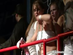 wild-amateur-sluts-dancing-dirty-at-the-night-club