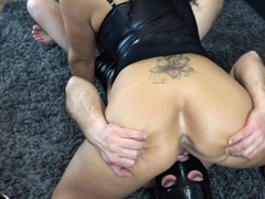 german-submissive-cuckold-lick-creampie-pussy