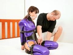 extreme-fetish-latex-play