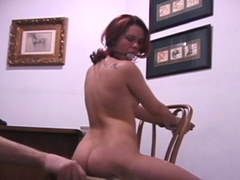 Nude bimbo and bra is playing with her muff