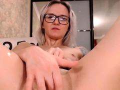 blonde-hottie-got-pussy-fucked-now