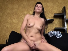 Elena Sugar is a very mature MILF who knows how to sweeten