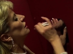 Unfaithful uk mature lady sonia presents her massive 88KJz