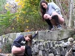naughty-girls-piss-near-the-railway