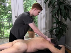 DILF expects massage but is raw-fucked by ginger masseur