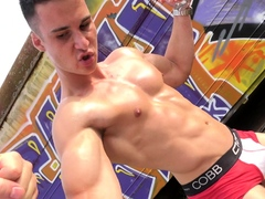 Muscle Worship and Flex